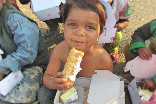 Sponsor Toys & Nutritious Meal for Slum Child!