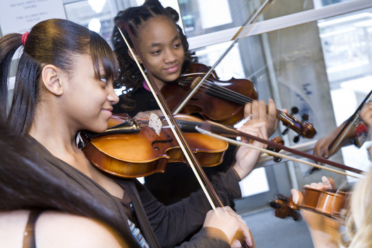 Provide Music Classes for Students in Harlem