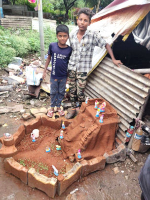 Clay Forts making Competition