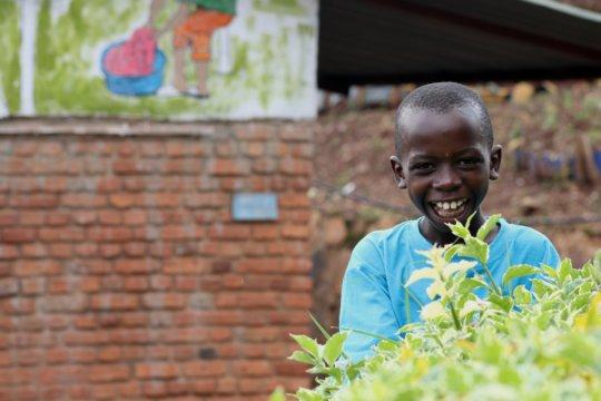 Build an Artistic Center for 10000 Kids in Rwanda