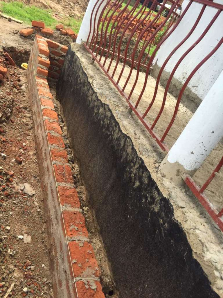 Veranda construction to prevent drainage issues