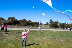 Kites in the breeze seemed to lift spirits (PDF)