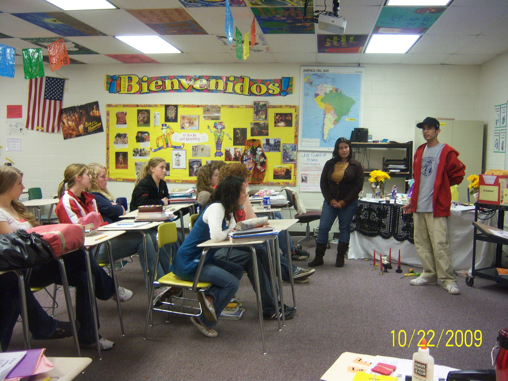 Tania and Jose from Nicaragua Speaking in a WI classroom