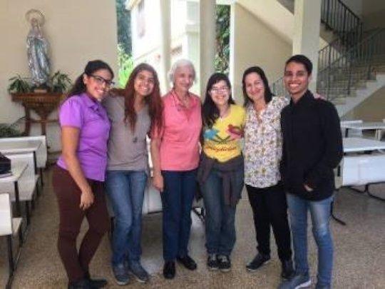 Yelibeth, Asly, Prof. Rodriguez, Roisdel, Marisa