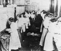 Atlanta cotton mill workers in the 1890s