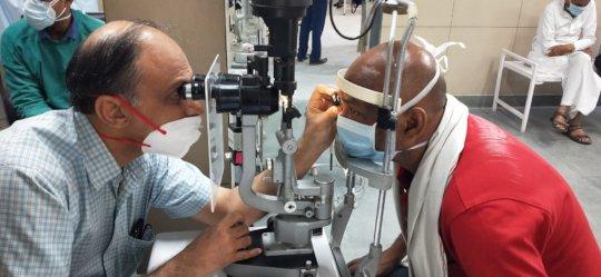 Eye Screening through Slit Lamp