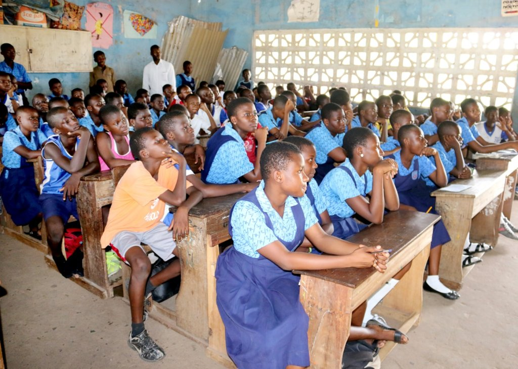 Project Anti-Litter for 1000 Students in Ghana - GlobalGiving