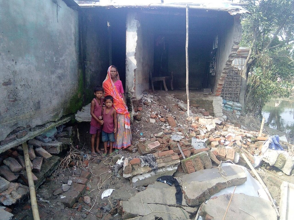 Rebuild 200 women's homes destroyed by Bihar flood