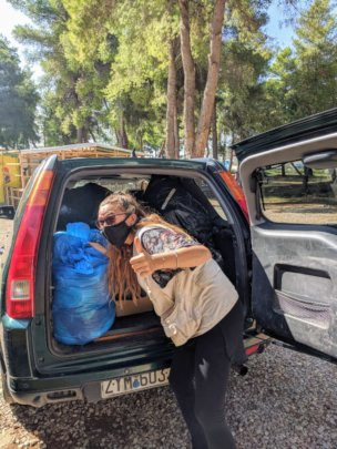 Donations arrive in Ritsona Camp from Lesvos