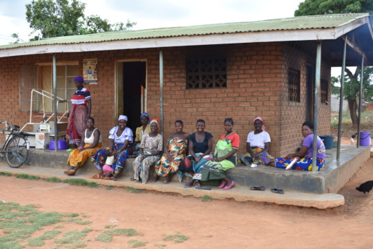 Pregnant women waiting at Chiunjiza