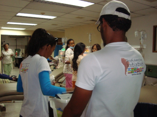 SAI Volunteers deliver meals to hospital patients