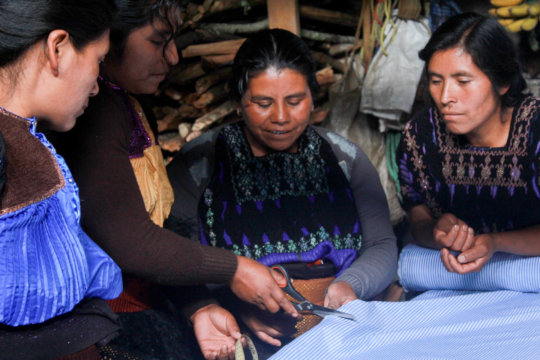 Sharing knowledges with artisan women