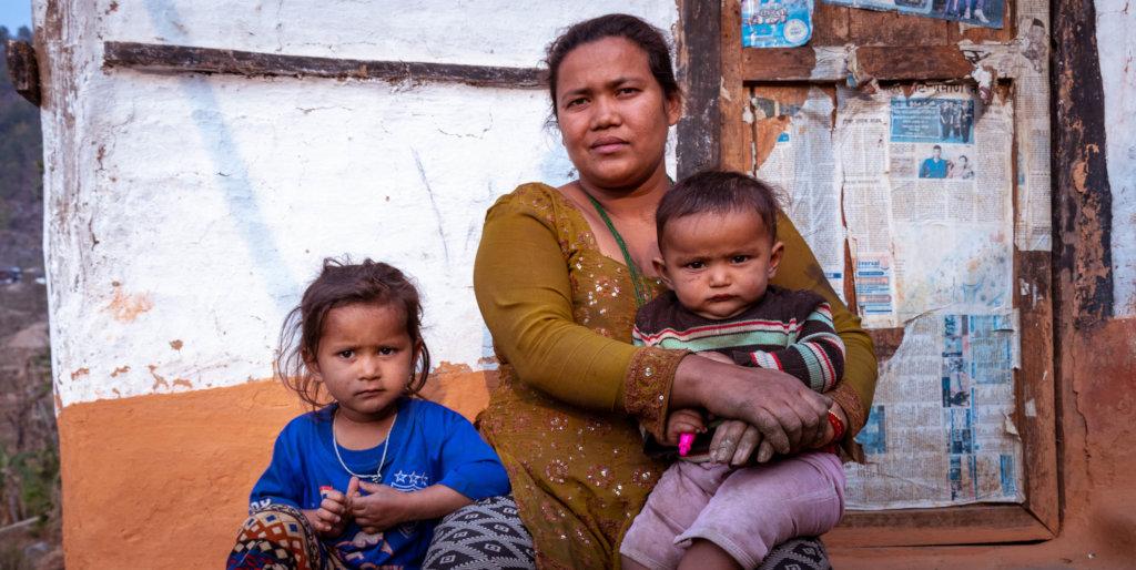 Sarita with her children