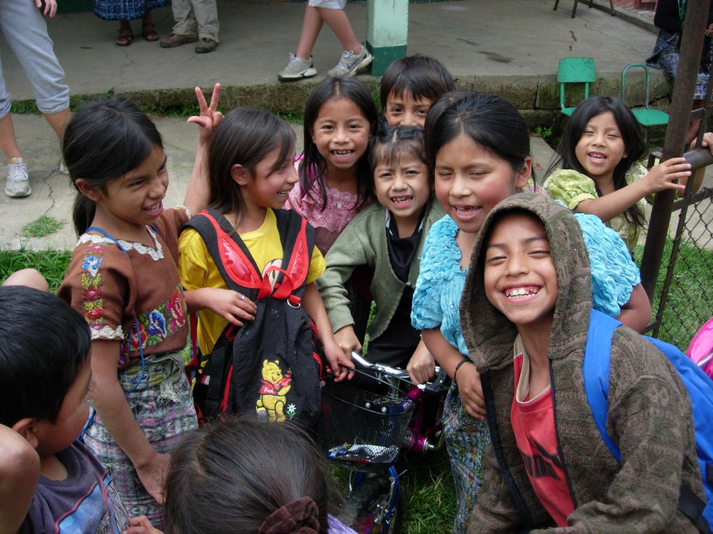 Children recipients of the project.