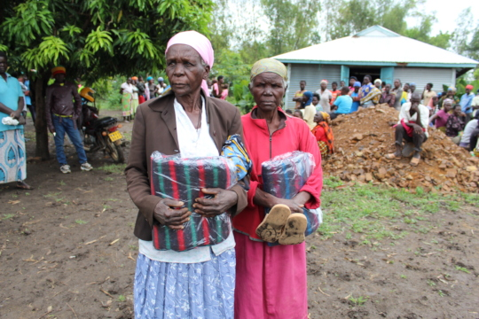 Blankets donated to women still living in camps