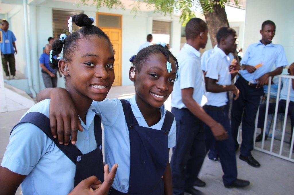 2 deaf students: Danika & Sandee