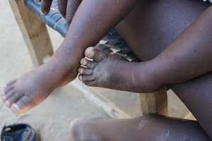 Wes's feet