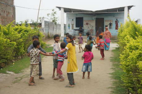 Help 4,000 People in India Gain Access to a Toilet