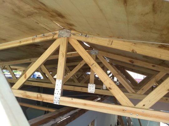 Close-up Roof Support System