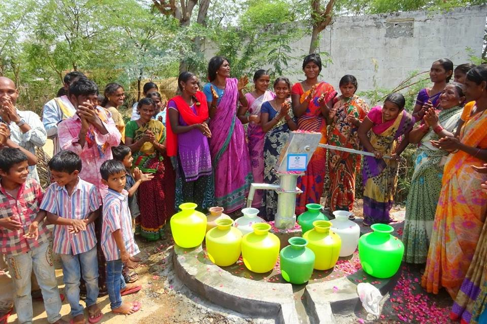 Filling containers with safe well water