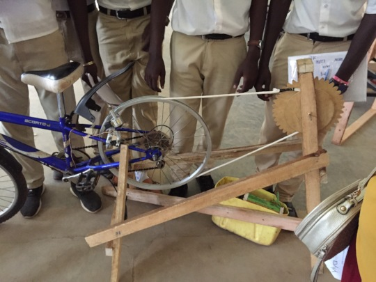 Bicycle-powered maize grinder