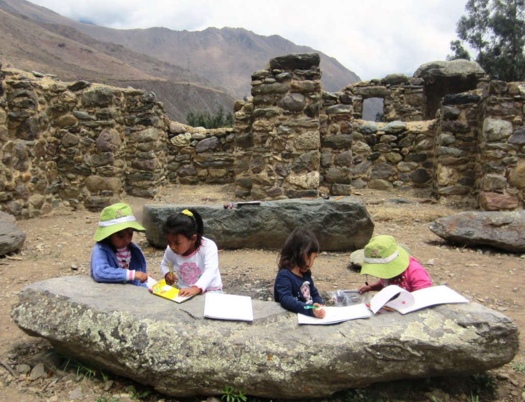 A BIG SCHOOL FOR THE LITTLE ONES...IN RURAL PERU.