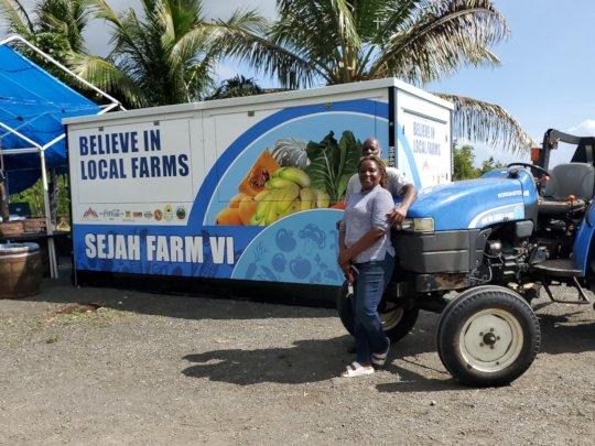 Farm Tienda Grantee Receives Customized Container