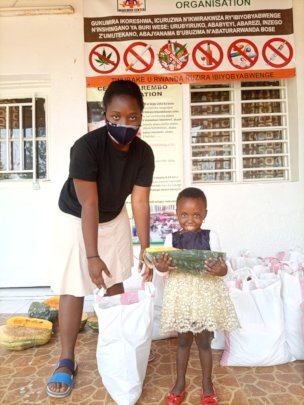 Teen mother and child at Ndera collection point