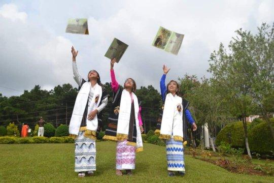 FEP student nurses graduating