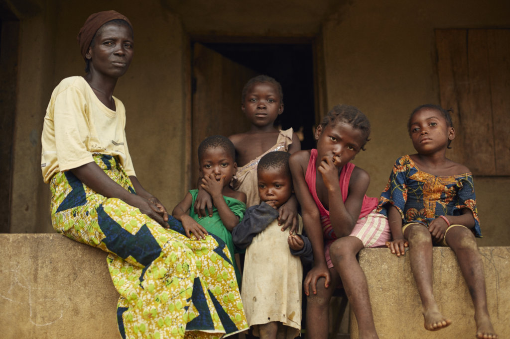 Help 50 mothers in Sierra Leone set up businesses