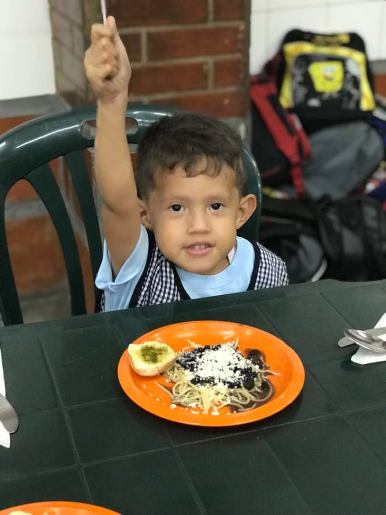 VENEZUELA: A DAILY MEAL FOR 400 DEPRIVED KIDS