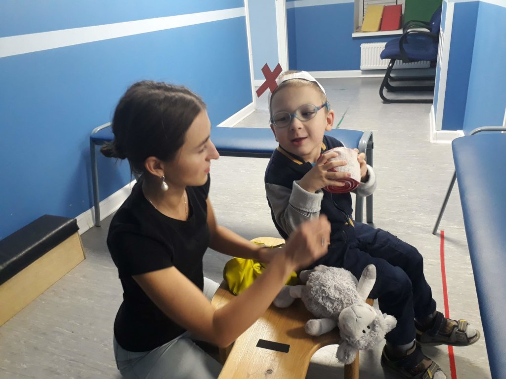 Help 30 disabled children and teens to communicate