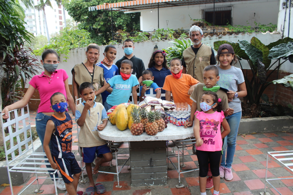 SAI Team Delivering Food to Orphanages