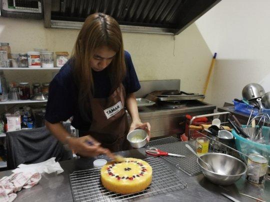 Bakery Student finishes new cake!