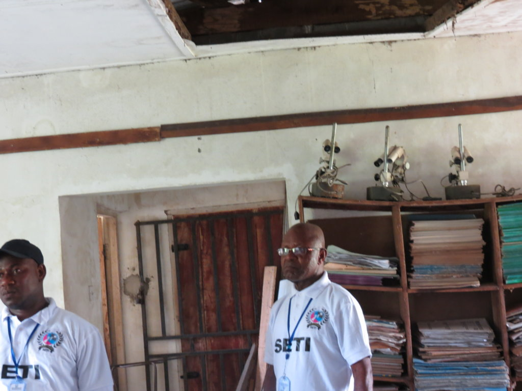 Provide Laboratories to Nigerian rural schools