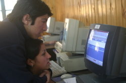 Displaced Residents in Chile Learn IT Skills