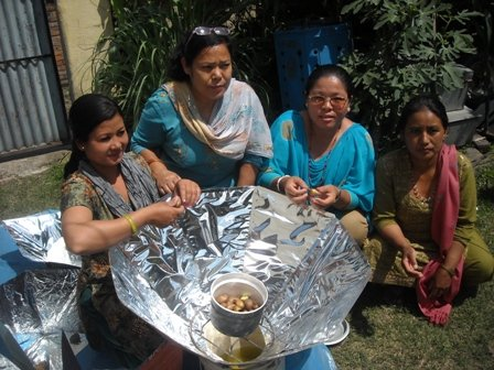 Get cooking in Nepal with Solar Cookers Intl.