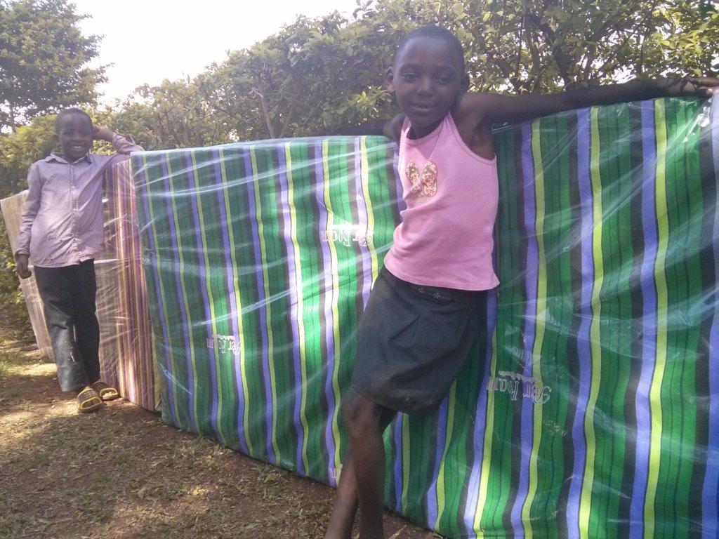 Provide matresses to 60 orphans in Uganda
