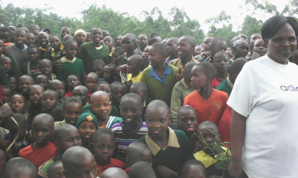 Sungututa pupils listen to Anti early pregnancy se