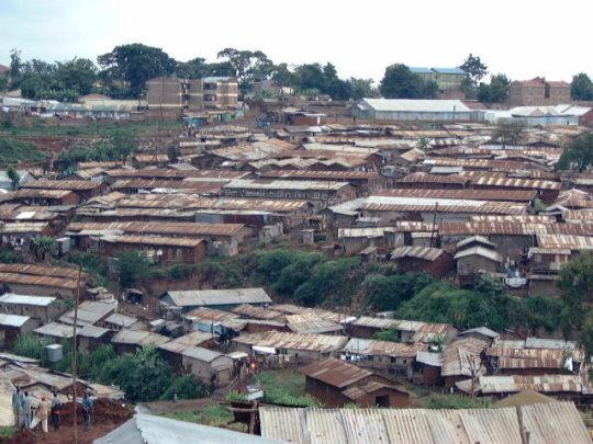 Build 1 Craft Centre for 300 artisans at Kibera