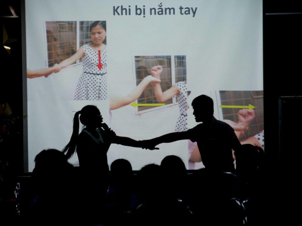 Educate 3000 children against societal risks