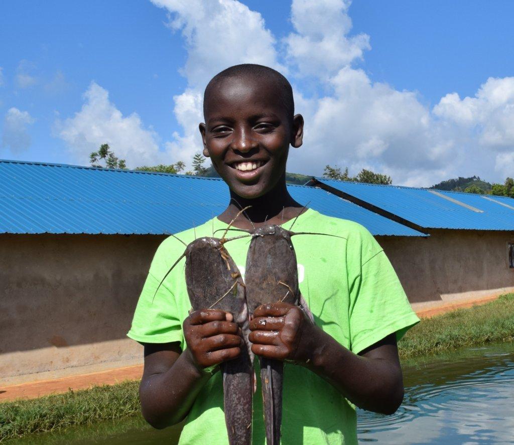 Ugly Fish: Let's Feed 900+ Schoolchildren in Kenya