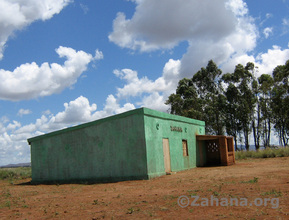 The almost finished school in Fiarenana