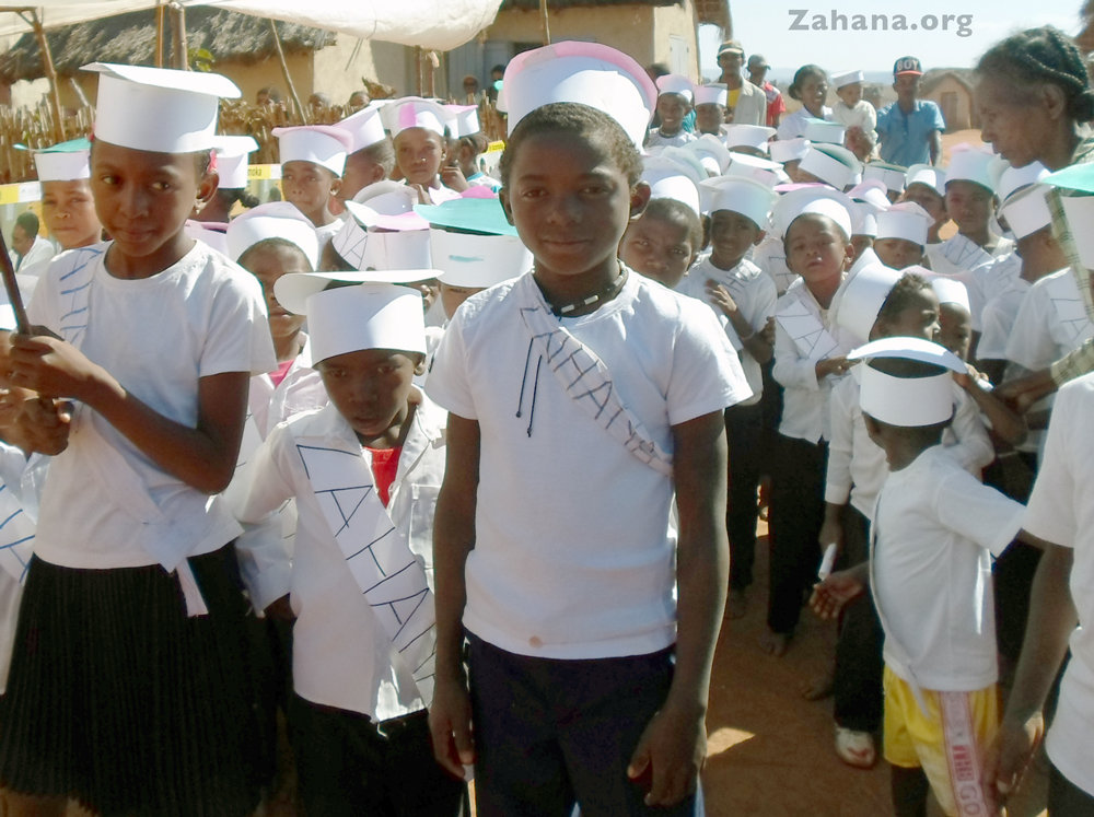 The stundets of the community built school