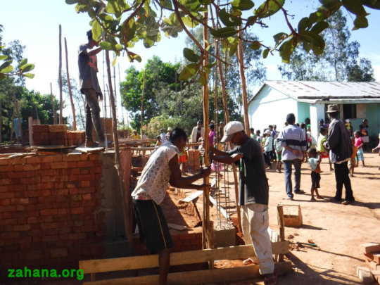 Building the second school building in Madagascar