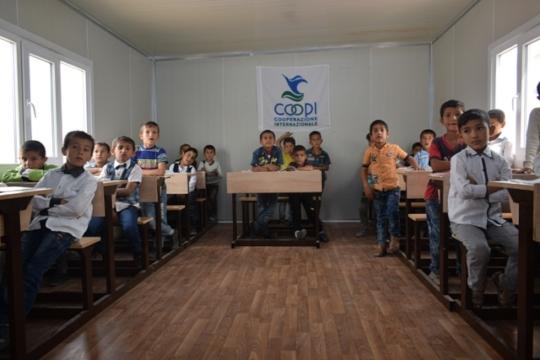 Temporary school in Mosul region