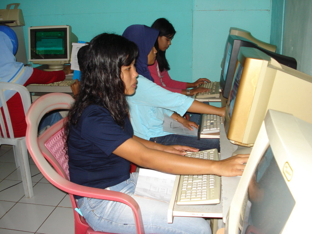 IT, INTERNET AND ENTREPRENEURSHIP FOR THE YOUTH