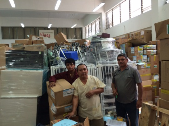 Vida Peru Team working in Lima warehouse