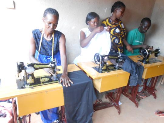 Women on tailoring machines