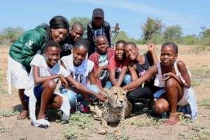 Children & cheetah